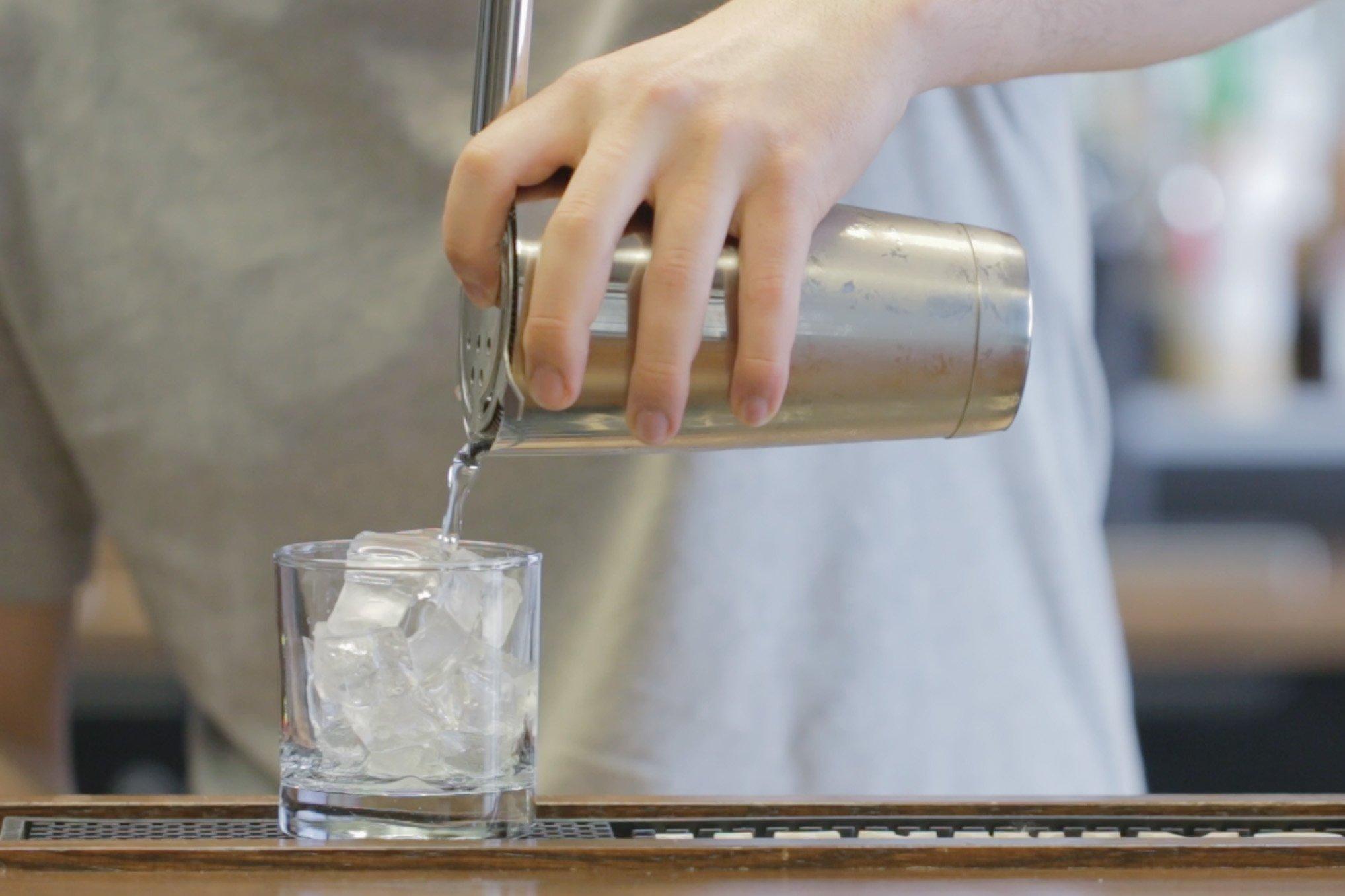 straining cocktail