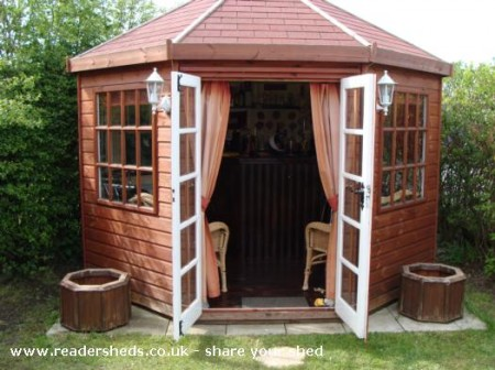 The Drunken Duck Bar Shed