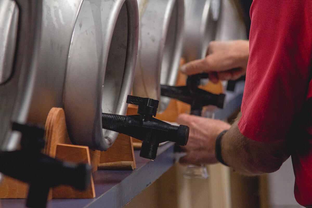 cask pouring