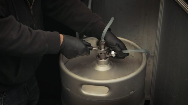 how to clean beer lines with a cleaning keg, step 10