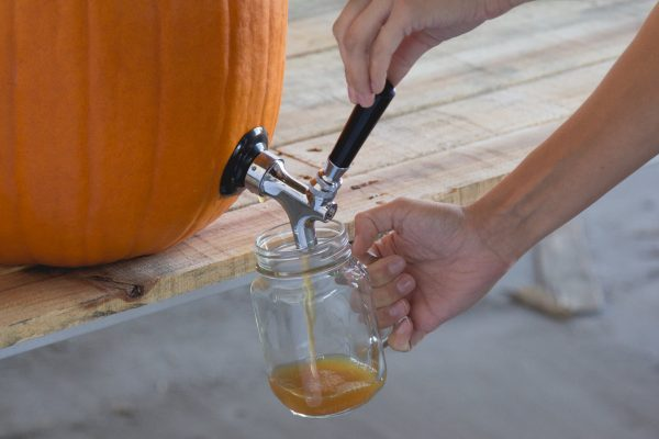 kegworks-how-to-make-a-diy-pumpkin-keg-tap-in-minutes-2-600x400