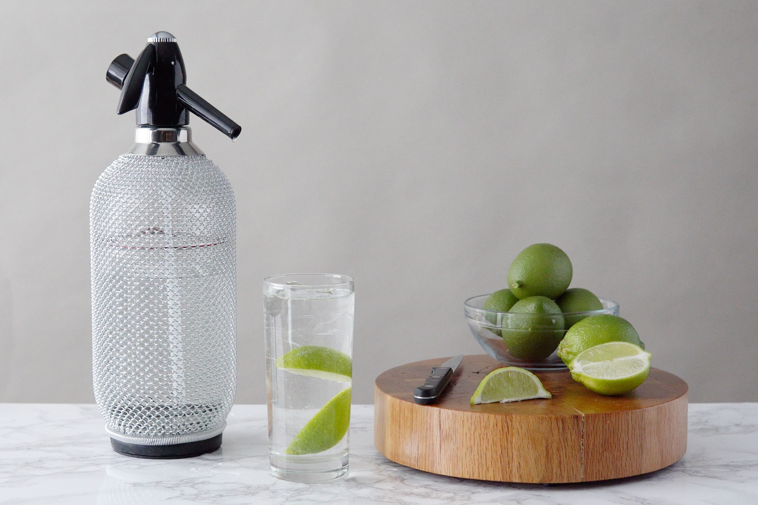 how to use soda siphon