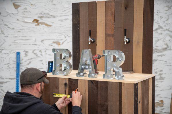 Decorating A DIY Wedding Bar